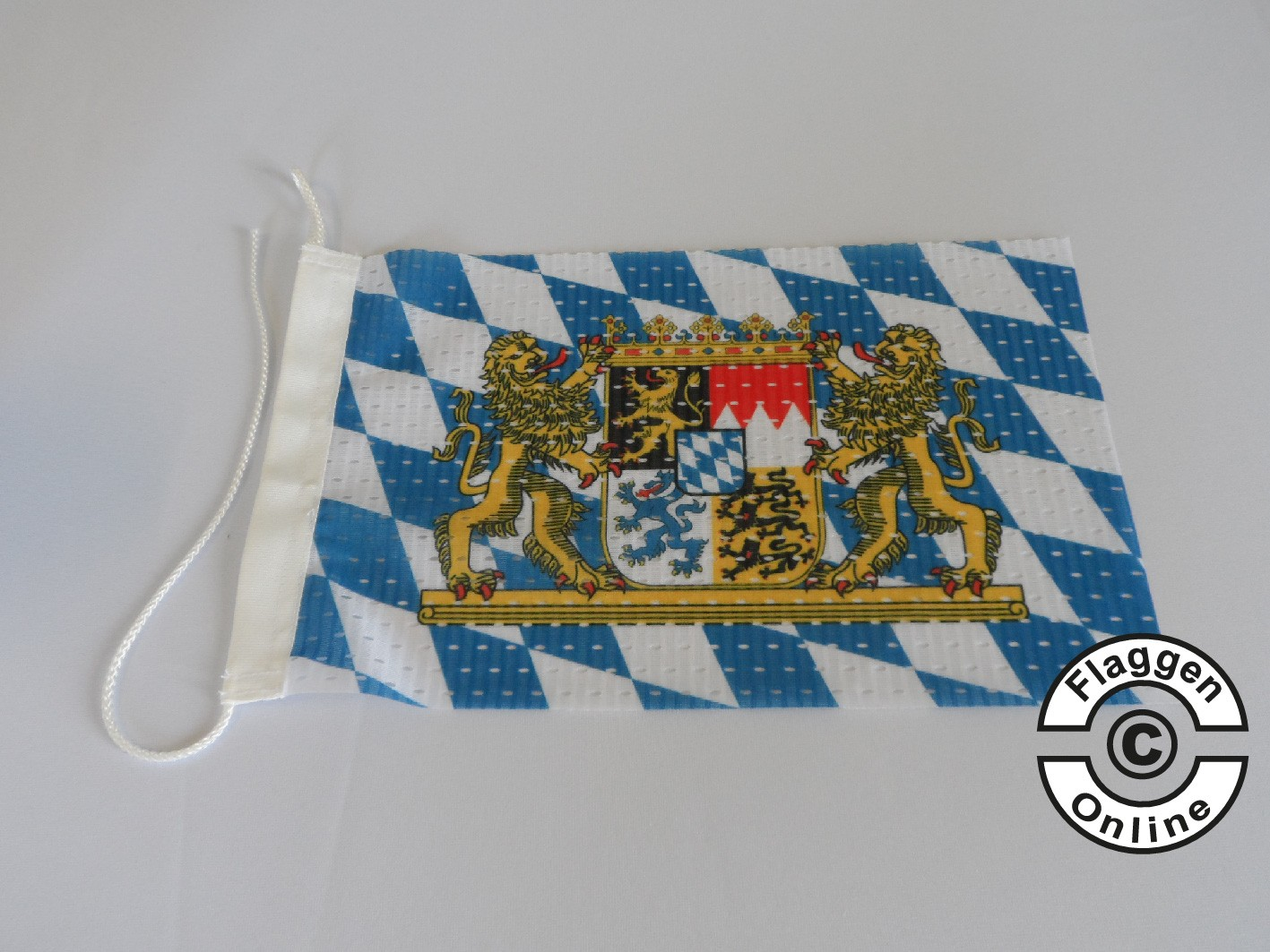 Bayern Raute mit Löwenwappen Flagge / Fahne für extreme Windlasten