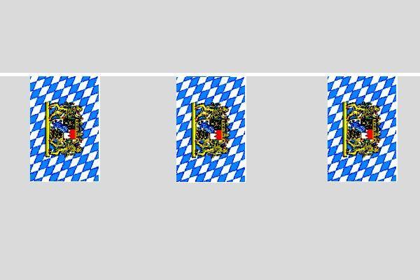 Bayern mit Löwe Flaggenkette
